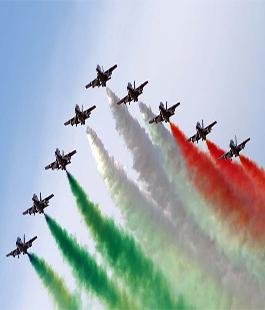 Festa Dellaeronautica Militare Con Le Frecce Tricolori Al